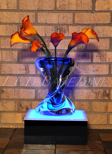 lighted display pedistal