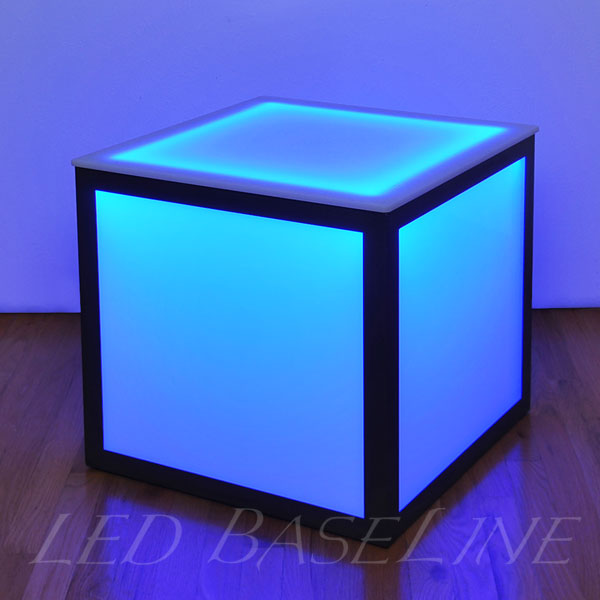 Lighted cube Tables